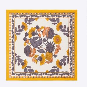 New in! Tory Burch WONDERLAND VINE NECKERCHIEF